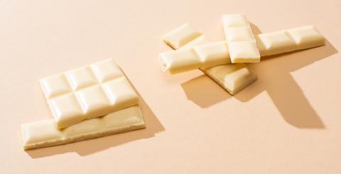 Bílá čokoláda – je to vůbec čokoláda?